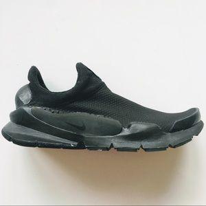 Nike Women's Viale Slip On Sneaker, 7